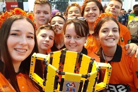 Estudantes brasileiros ficam entre 20 melhores em prêmio de inovação