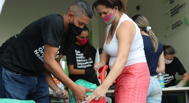 Projetos sociais e doações ajudam Heliópolis (SP) a enfrentar pandemia