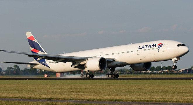 Latam Brasil se prepara para retomar voos internacionais em junho