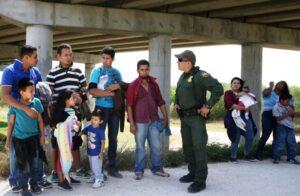 Tribunal federal bloqueia medida de Trump que limita pedidos de asilo nos EUA