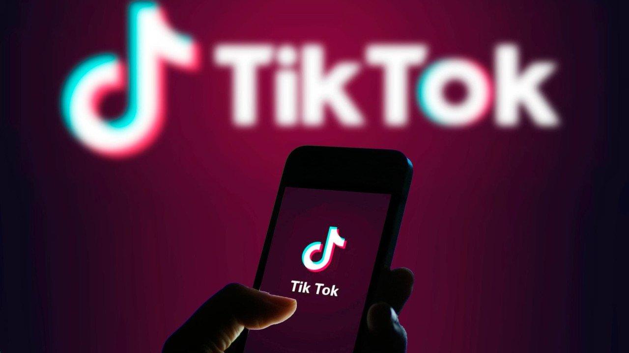 Trump bloqueará downloads de TikTok e WeChat nos EUA no domingo, dizem autoridades