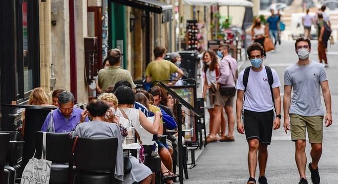 Europa tem mais restrições e medo de novos confinamentos
