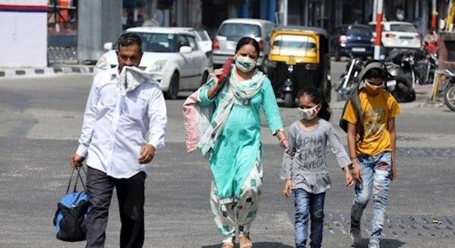 Índia registra recordes de recuperações diárias de covid-19