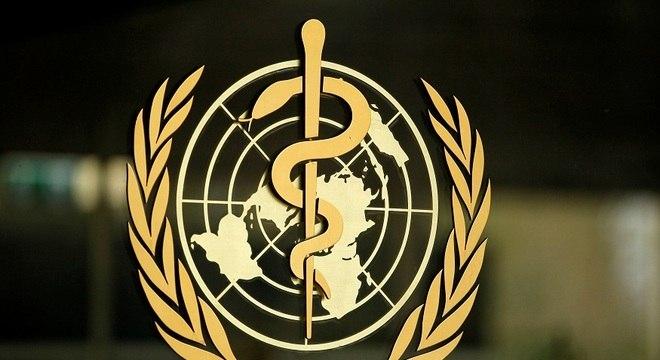 Covid-19: OMS elogia AstraZeneca por pausar testes de vacina