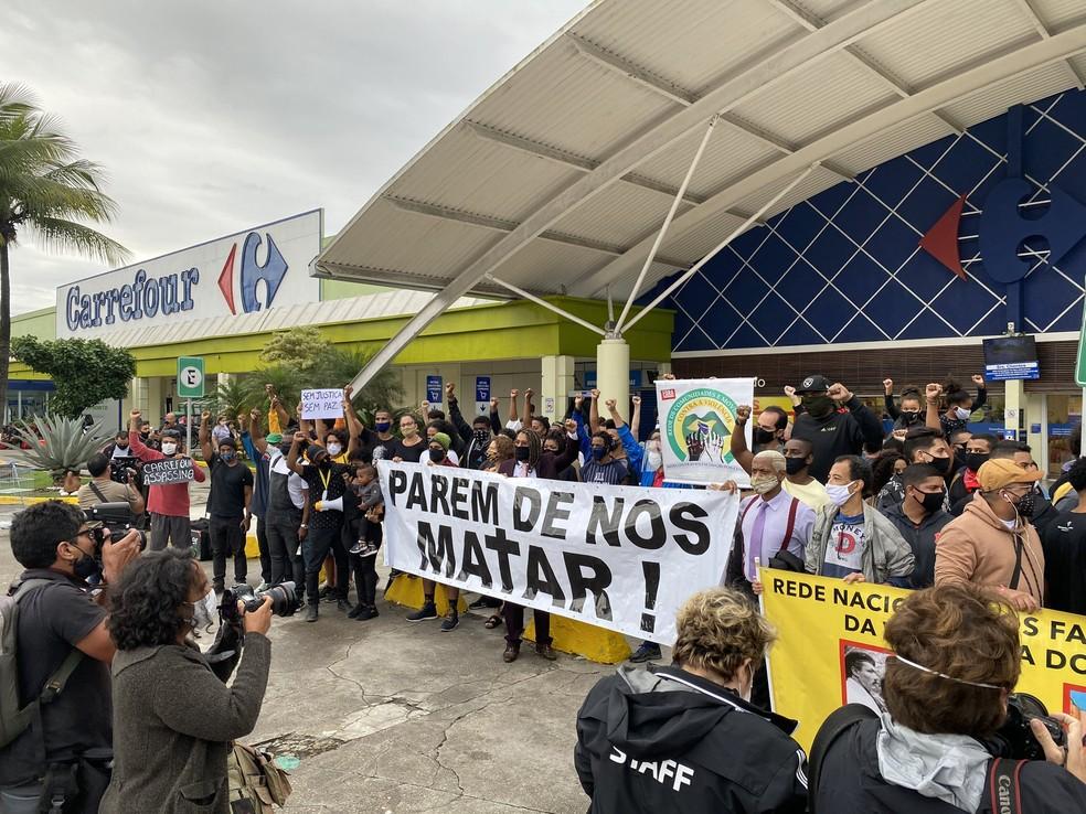 Carrefour Brasil afirma que está tomando providências após assassinato de cliente