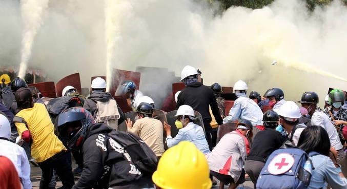 Dois manifestantes são mortos em Mianmar em dia de greve geral