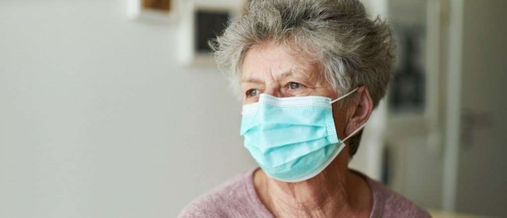Hospitalização de idosos despenca na Flórida com vacinação