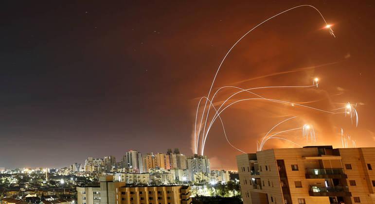 """""""É um ataque sem precedentes contra Israel"""", diz embaixada"""