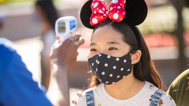 Disney volta a exigir o uso de máscara nos parques de Orlando
