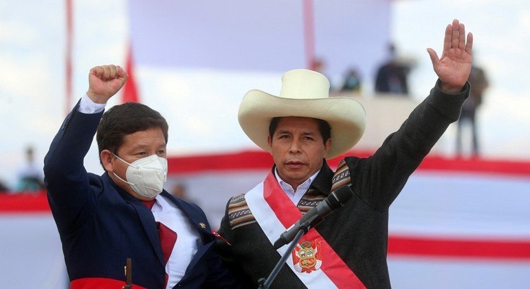Presidente do Peru anuncia ex-guerrilheiro como chanceler