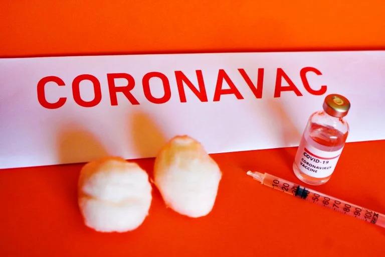 Portugal autoriza entrada de brasileiros vacinados, mas CoronaVac fica de fora